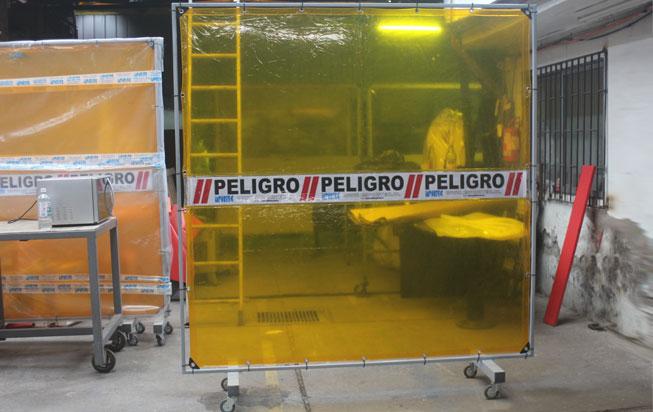 Biombo Soldador permite ver a través del área de trabajo